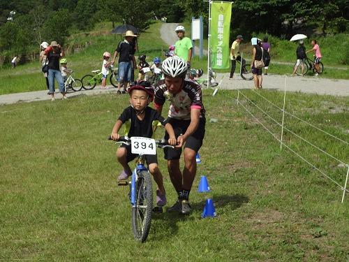 自転車キッズ検定体験会も同時開催。10級から上をめざし挑戦しました